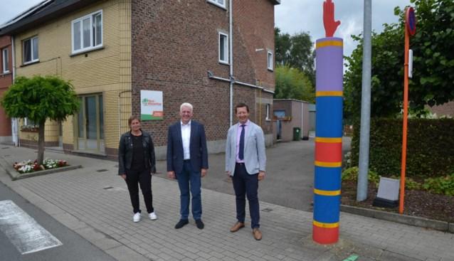 """Langestraat wordt aan kleuterschool eenrichtingsstraat bij begin en einde van school: """"Ouders zouden de speelplaats oprijden"""""""