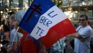 Omstreden uitbreiding van gebruik 'pass sanitaire' naar Franse bars en restaurants krijgt groen licht van Grondwettelijke Raad