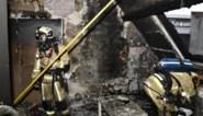 Gebouw onbewoonbaar na felle brand