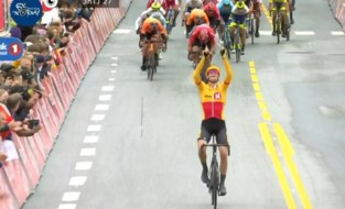 Markus Hoelgaard verrast sprinters en wint eerste etappe Arctic Race of Norway