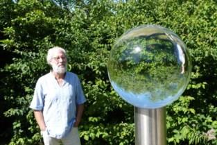 Glazen bol van kunstenaar Luc Wets weerspiegelt natuur in al zijn facetten