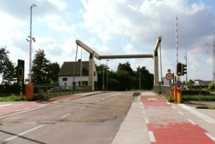 Verkeer kan vanaf 2 september weer over brug 8 rijden