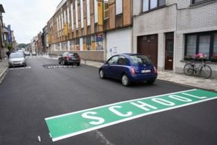 10 Antwerpse schoolomgevingen worden veiliger met verkeersdrempels en opvallende grondmarkering