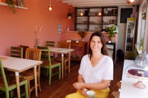 """Greet (47) opent koffiehuisje in Drongen: """"Genoemd naar groottante en grootmoeder"""""""