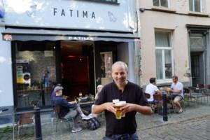 """Cafébaas Tijl (41) houdt vast aan corona-sluitingsuur: """"Goed voor mijn gezondheid en die van de buren"""""""