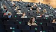 In hogescholen mogen studenten zonder mondmasker in de les, op universiteit mét