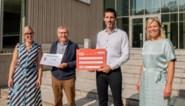 Vzw Bedevaart Wimmertingen doneert 7.000 euro aan UHasselt voor onderzoek naar autisme
