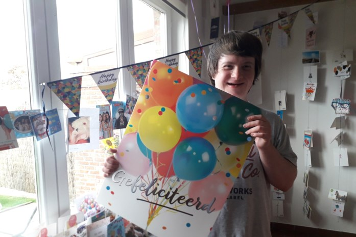 """Robin krijgt meer dan 200 kaartjes voor zijn verjaardag: """"Hij is zo blij, hij gaat de hele tijd de brievenbus checken"""""""