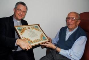 Hij wilde zijn reis naar de hemel zo lang mogelijk uitstellen, maar oudste man van België (107) nu toch overleden