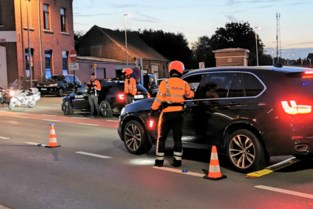 """Politie houdt grootscheepse controle: """"Nu cafés weer open zijn, merken we stijging alcohol- en drugsgebruik achter stuur"""""""