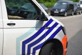 Jonge bestuurder speelt rijbewijs kwijt nadat het wil wegrijden van controle in Maasland