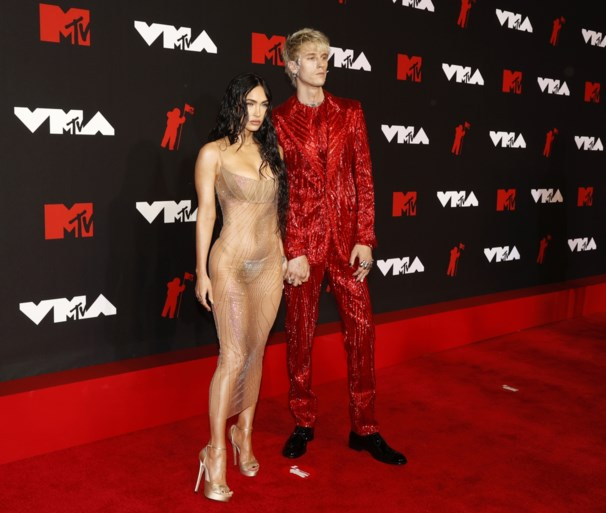 Madonna (63) steelt de show met gewaagd pakje op VMA's, ook actrice Megan Fox kiest voor zeer onthullende outfit