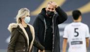 Cercle Brugge-doelman en leukemiepatiënt Miguel Van Damme geeft aftrap tegen Eupen, spelers pakken uit met speciaal shirt