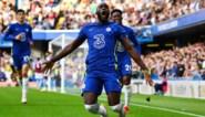 Romelu Lukaku gaat Eden Hazard achterna en weigert nog doelpunten te vieren door op zijn knieën te glijden