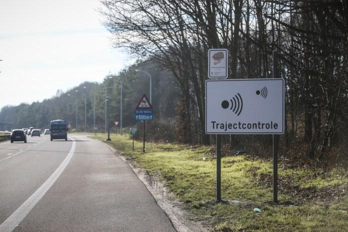 238 trajectcontroles geïnstalleerd door Vlaamse overheid, maar of je er ook beboet wordt blijft een open vraag