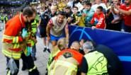 Ronaldo raakt steward tijdens opwarming vol op het hoofd en gaat zich meteen excuseren