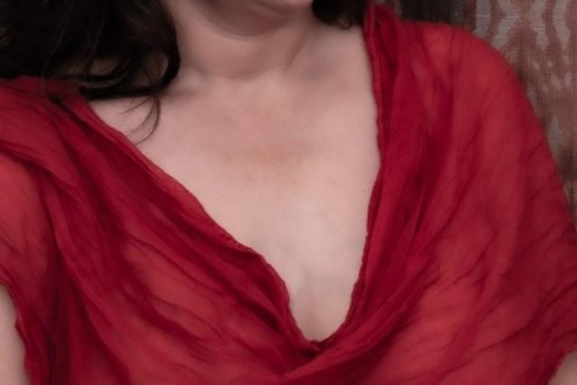 Miranda toont geopereerde borst na borstkanker in fototentoonstelling