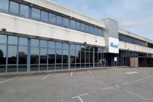 Plastipak Belgium schroeft productie in Brecht terug: collectief ontslag voor productieafdeling