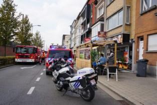 """""""Uitslaande dakbrand"""" blijkt mee te vallen:dampkap vat vuur in keuken eethuis"""