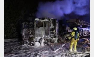Brandende vrachtwagen in Berendrecht: hinder op de A12 richting Antwerpen