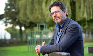 """Steven Van Gucht: """"Ongelukkige timing om vlak voor najaar mondmaskerplicht te versoepelen"""""""