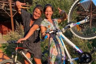 """Sportief duo fietst, loopt en kajakt voor 11.11.11: """"Klaar voor dol dagje"""""""
