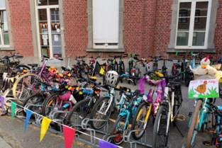Met de fiets, de step of te voet naar school