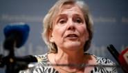 Ontslagnemende regering valt uit elkaar in Nederland: twee ministers nemen ontslag, sfeer tussen regeringspartijen is verziekt