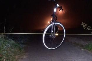 """Onbekende spant touw over fietspad: """"Fietser had er lelijke blessures aan kunnen overhouden"""""""