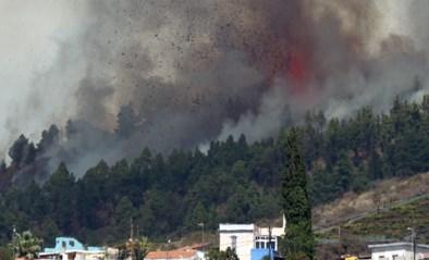 Vulkaan barst uit op Canarische eilanden: enorme aswolk te zien