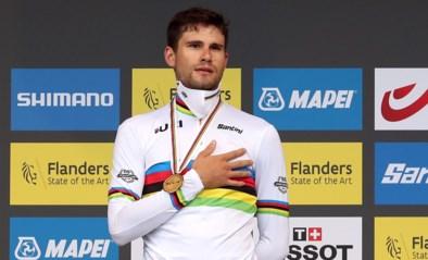 """Filippo Ganna verontschuldigt zich bij Belgen na nieuwe wereldtitel: """"Winnen in je thuisland is geweldig, maar ik wou vandaag ook winnen"""""""