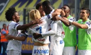Paul Onuachu alweer van goudwaarde: Nigeriaan bezorgt Genk in slotfase zege in Limburgse derby bij STVV