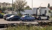 Politie getuige van drugsdeal: koeriers vluchten maar slaan doodlopende straat in