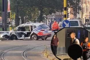 """Extra politie in Overpoort na zware rellen: """"Dit in 30 jaar nog nooit gezien"""""""