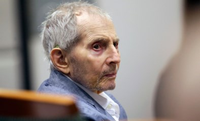 Miljardair Robert Durst leek weg te komen met moord, tot hij zijn microfoontje op toilet vergat