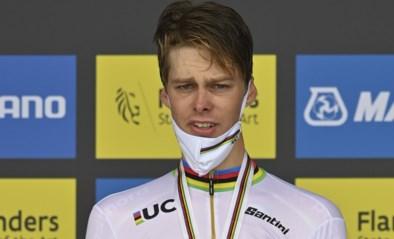 """Emotionele winnaar Price-Pejtersen eert Chris Anker Sörensen: """"Overlijden zorgde voor donkere mist in het team"""""""