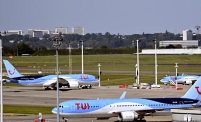 Onrust op vliegtuig TUI omdat reizigers na uren wachten naar Parijs in plaats van Brussel vliegen