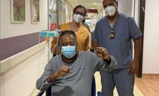 """Pelé stelt het beter na operatie aan tumor: """"Een goed humeur is het beste medicijn"""""""