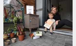 Sylvie laat buurtbewoners planten en boeken ruilen