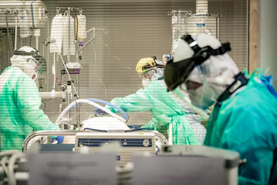 Meer besmettingen vastgesteld, minder ziekenhuisopnames