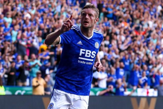 Jamie Vardy verschalkt eigen doelman met rake kopbal, maar sleept eigenhandig nog gelijkspel uit de brand voor Leicester City