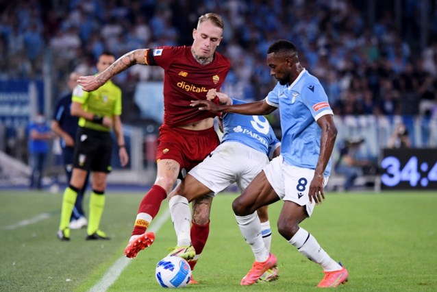 Lazio rekent af met stadsgenoot Roma van Jose Mourinho en wint Romeinse derby